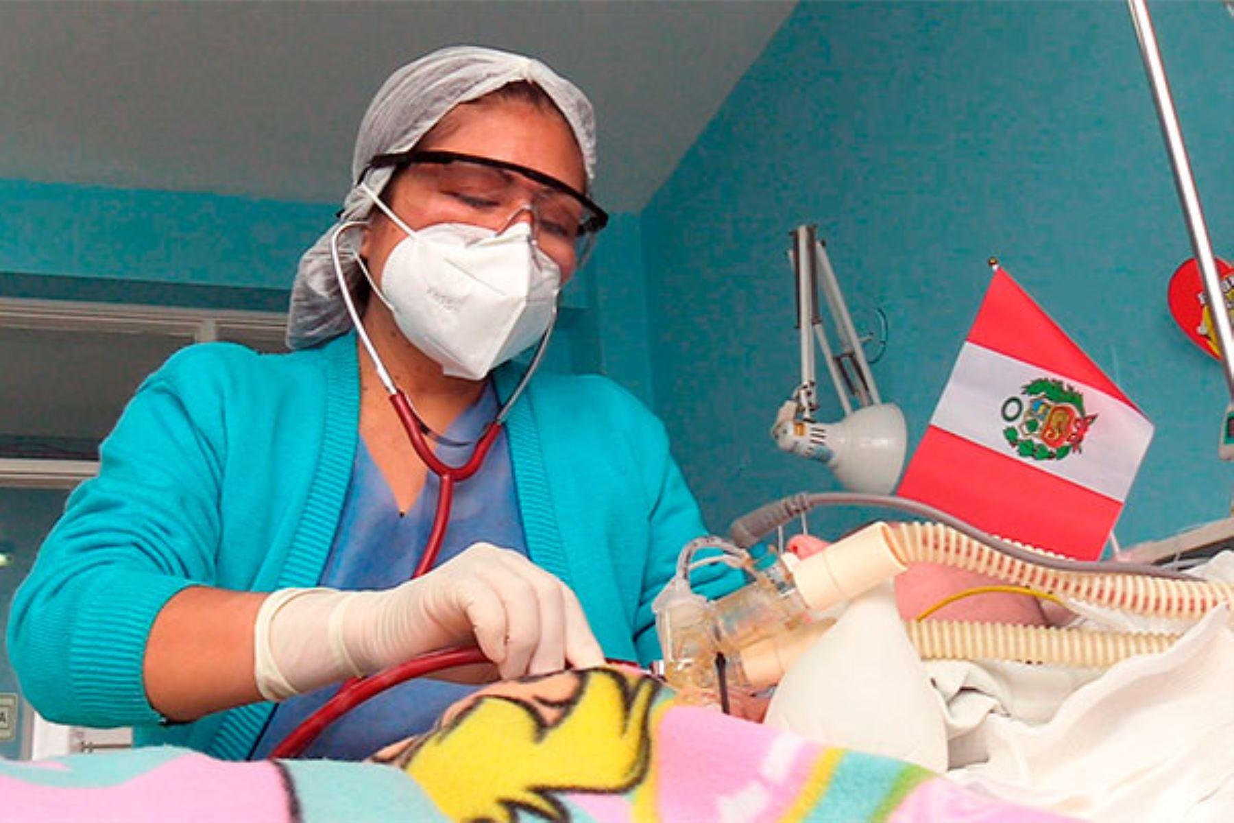 "Por primera vez cirujanos del INSN – Breña trataron ""Fetus in fetu"", mal congénito que registra aproximadamente 200 casos en el mundo. Foto: ANDINA/INSN"