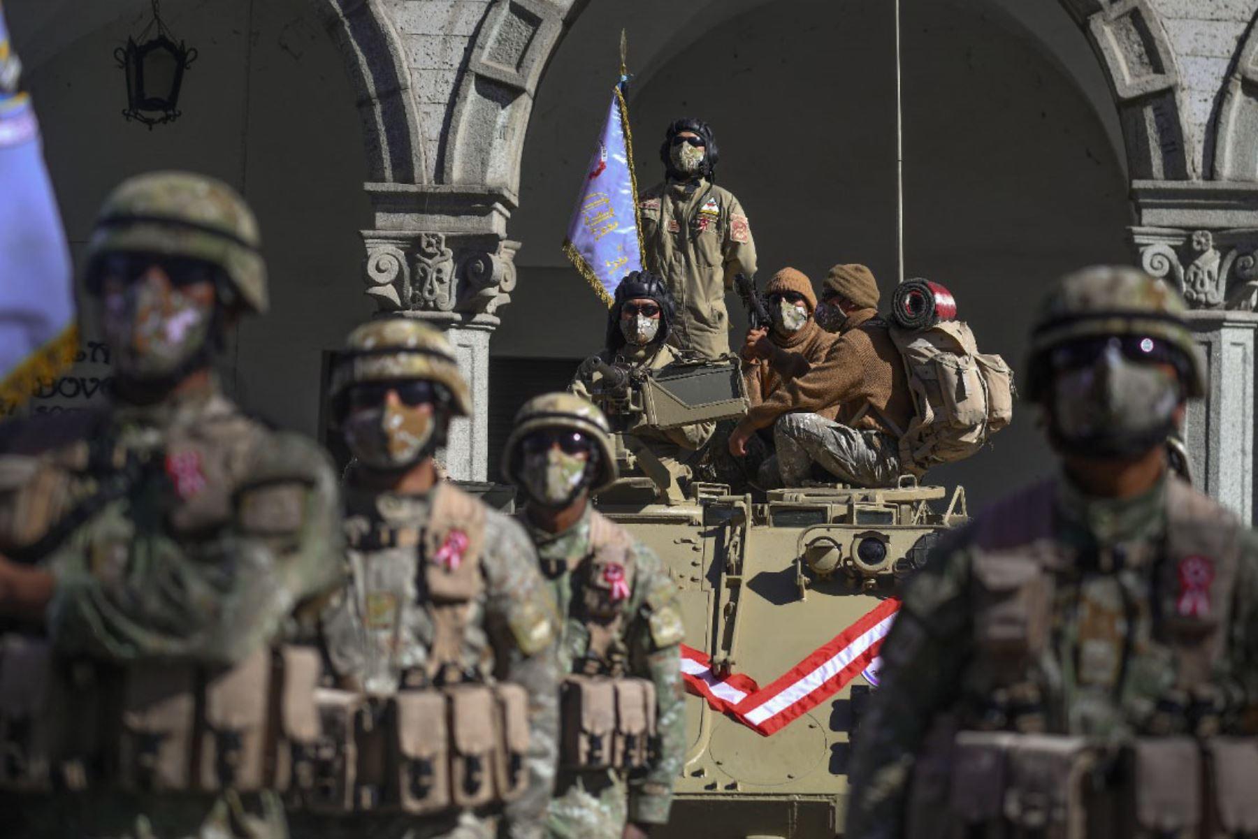 Arequipa celebra el bicentenario de independencia del Perú. La Plaza de Armas de Arequipa fue el escenario de una ceremonia por los 200 años de independencia del Perú, que congregó únicamente a algunas autoridades civiles, militares y religiosas, debido a la pandemia. Foto: Cortesía Diego Ramos