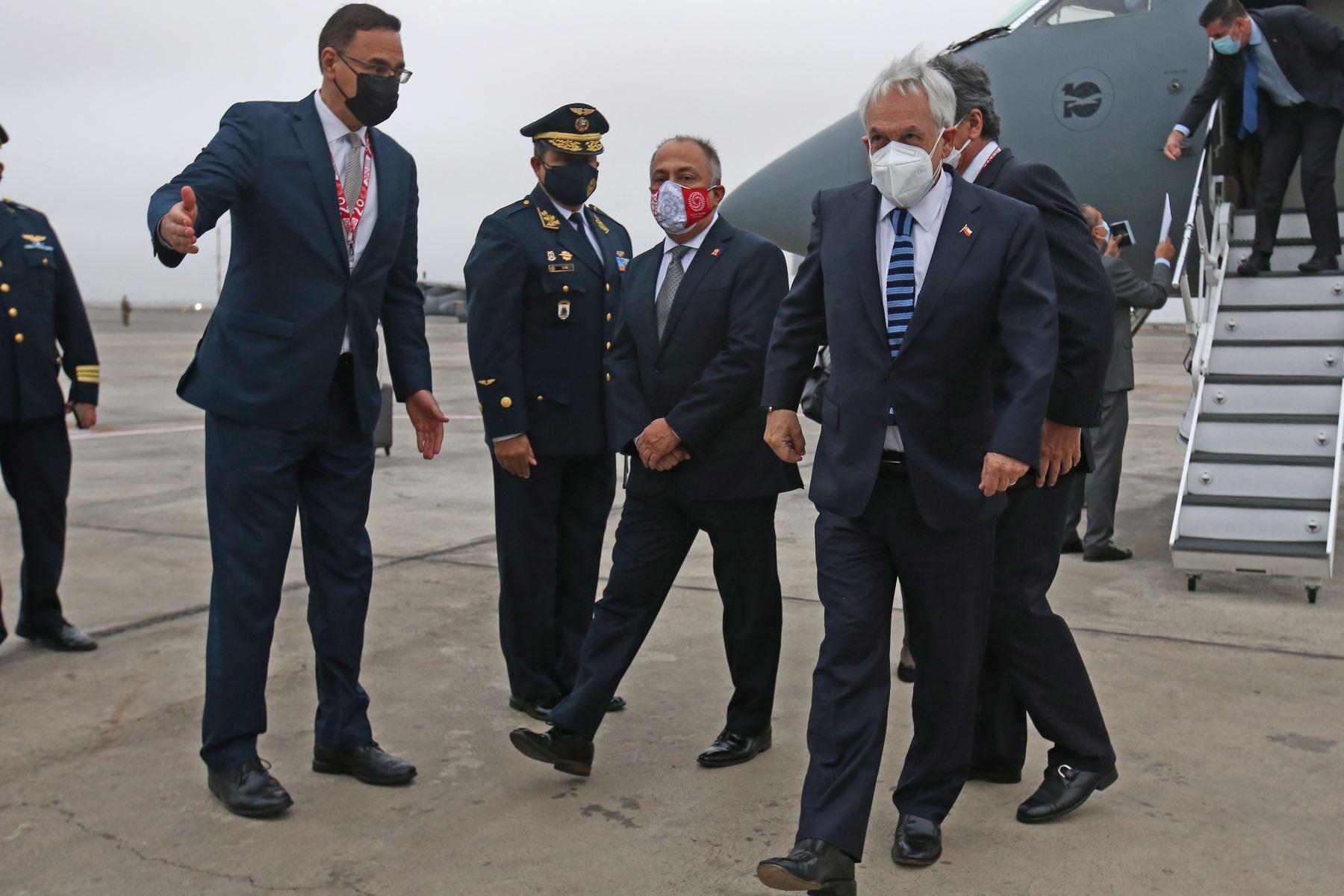 El presidente de Chile, Sebastián Piñera, arriba al Grupo Aéreo Nº 8 para estar presente en la toma de posesión del presidente electo, Pedro Castillo.  Foto: ANDINA/Vidal Tarqui
