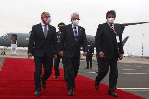 El presidente de Chile, Sebastián Piñera llega al Perú para toma de mando  del presidente electo Pedro Castillo