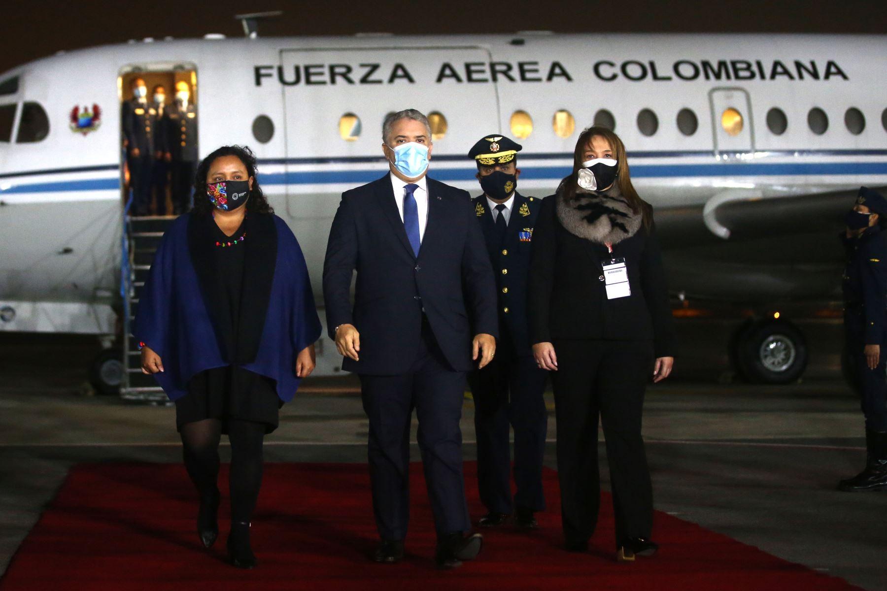 El presidente de Colombia, Iván Duque arriba al Grupo Aéreo Nº 8 para estar presente en la toma de posesión del presidente electo, Pedro Castillo.  Foto: ANDINA/Vidal Tarqui
