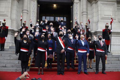 Presidente  Francisco Sagasti y  ministros de  Estado participan de la Misa solemne y Te Deum en la Basílica Catedral de Lima por los 200 años de la Independencia del Perú