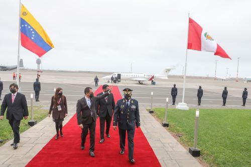 El canciller de Venezuela, Jorge Arreaza llega al Perú para toma de mando  del presidente electo Pedro Castillo