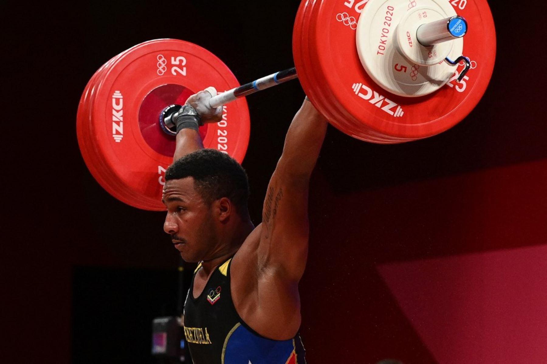 """El deportista """"llanero"""" obtuvo la medalla de plata en levantamiento de pesas."""