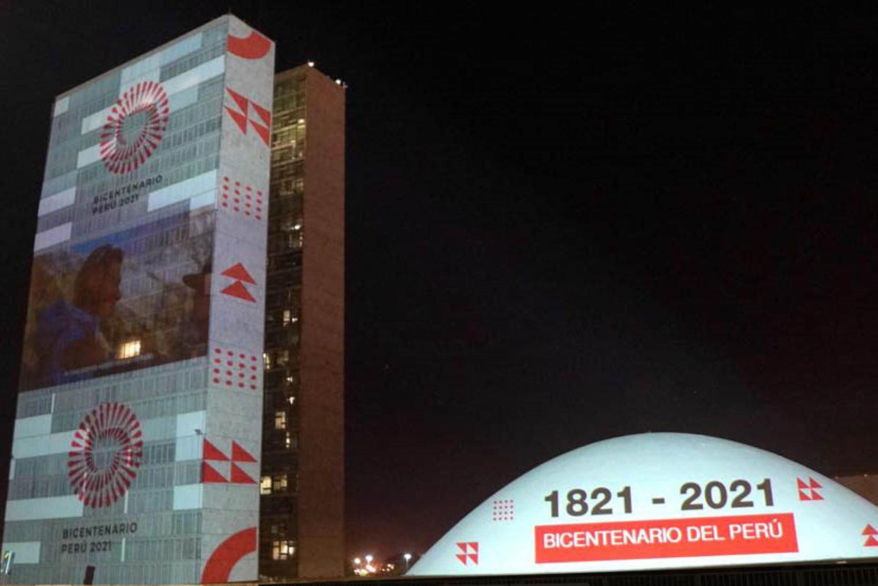 La Embajada del Perú en Brasil realizó una vistosa proyección mapeada en los edificios del Senado Federal de Brasil. Foto: Ministerio de Relaciones Exteriores del Perú