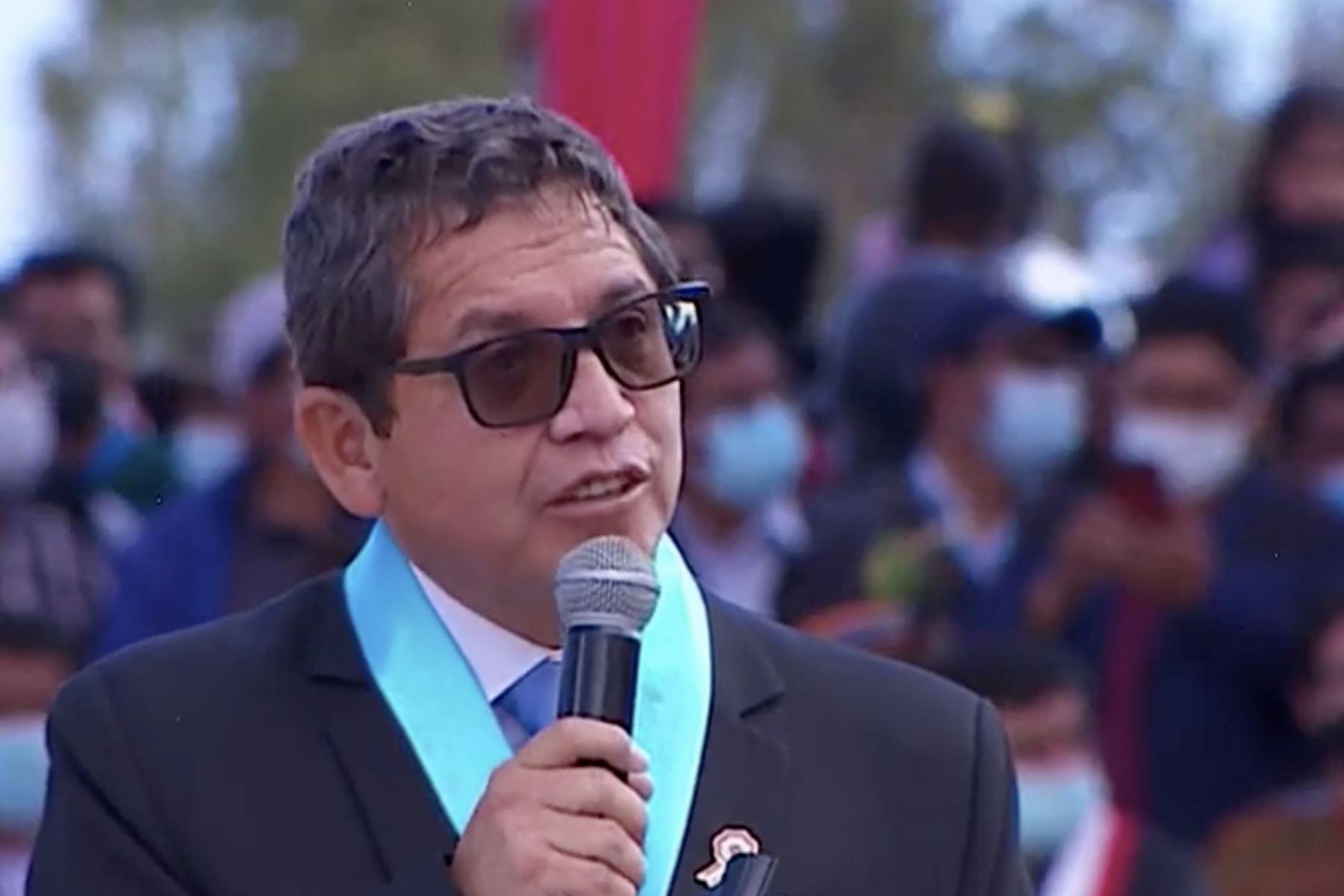 Alcalde provincial de Huamanga, Yuri Alberto Gutiérrez, participó en la ceremonia de juramentación simbólica del presidente Pedro Castillo celebrada en la Pampa de Ayacucho.