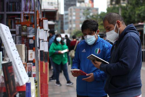 Feria del Libro de Miraflores continúa durante el feriado por Fiestas Patrias