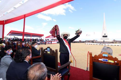 Juramentación simbólica del presidente de la República en la Pampa de la Quinua