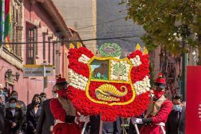 En la ciudad de La Paz, ceremonia en homenaje al Bicentenario de la Independencia del Perú. Foto: ANDINA/difusión.