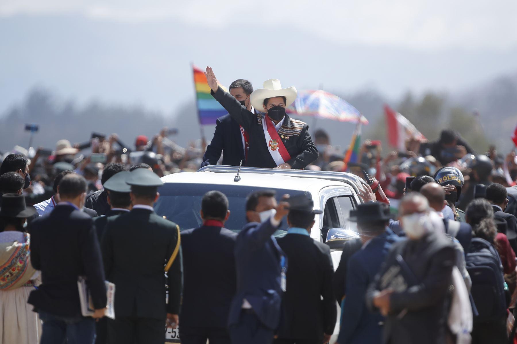 El presidente de la República, Pedro Castillo, encabeza la ceremonia de juramentación simbólica en la Pampa de la Quinua, ciudad de Ayacucho. Foto: ANDINA/Juan Carlos Guzmán