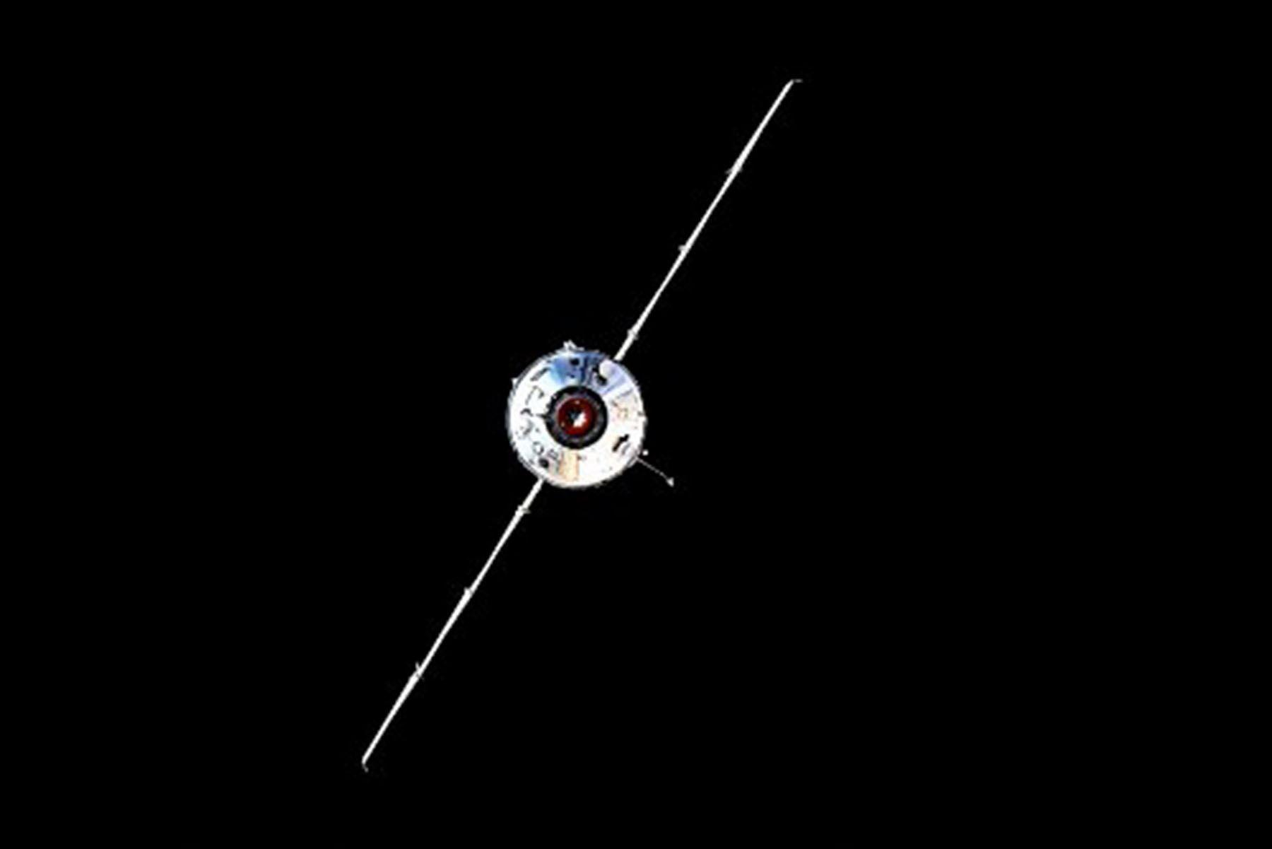Después de ocho días de viaje espacial, que necesitó para ubicarse en la misma órbita que la ISS, este módulo científico se amarró a las 13h29 GMT al módulo del servicio ruso Zvezda. (Foto: AFP)
