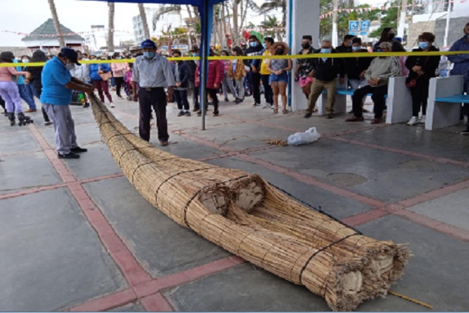 Actividad fue organizada por la Municipalidad Distrital de Huanchaco y la Comisión Bicentenario de La Libertad,