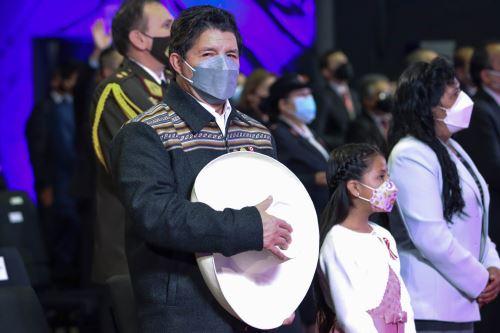 Jefe del Estado participa en ceremonia de Acción de Gracias por el Perú