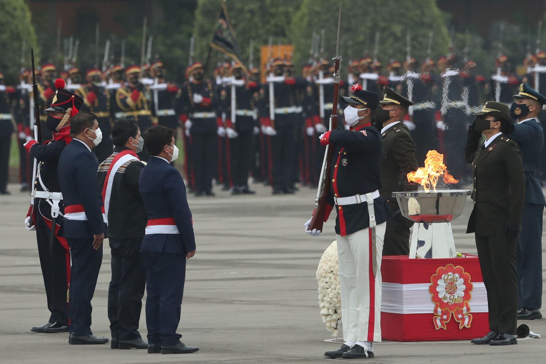 El presidente de la República, Pedro Castillo, asiste al desfile militar por Fiestas Patrias y en el marco del Bicentenario de la Independencia nacional. Foto: ANDINA/ Carla Patiño