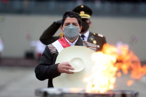 El presidente de la República, Pedro Castillo, asiste al desfile militar por Fiestas Patrias