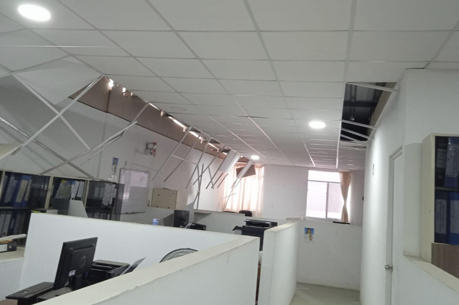 Daños en las oficinas de la Diresa Piura II causados por el sismo de magnitud 6.1. Foto: Erwin Zapata