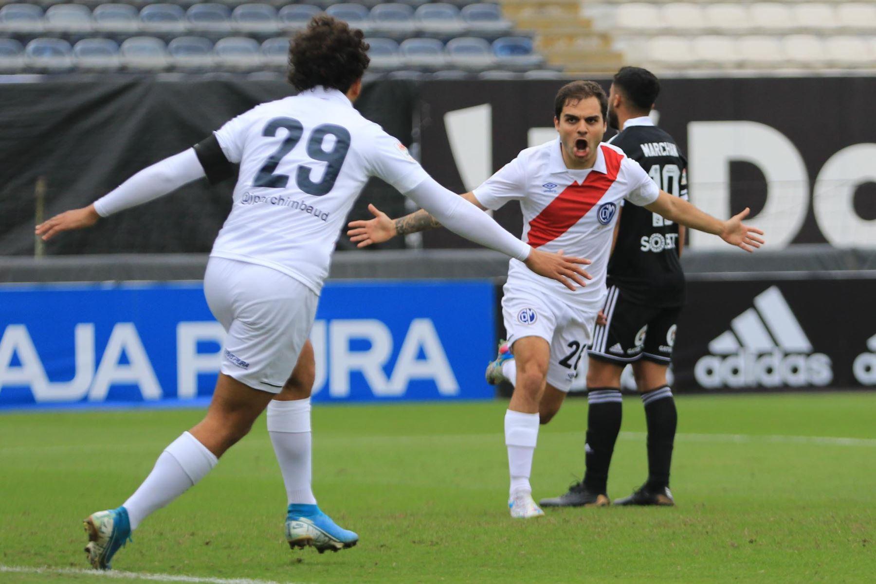 Piero Ratto del Deportivo Municipal celebra tras anotar ante Sporting Cristal durante partido por la tercera fecha de la Liga 1, en el estadio Alejandro Villanueva. Foto: Liga 1