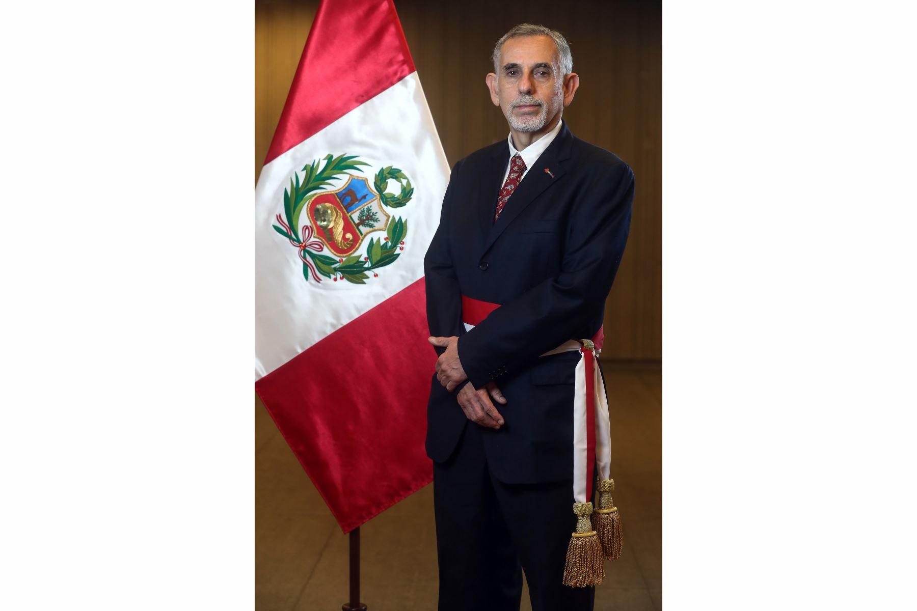 Pedro Francke jura como ministro de Economía y Finanzas. Foto: ANDINA/Prensa Presidencia