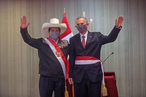 Presidente Pedro Castillo toma juramento a ministros de Economía y Justicia