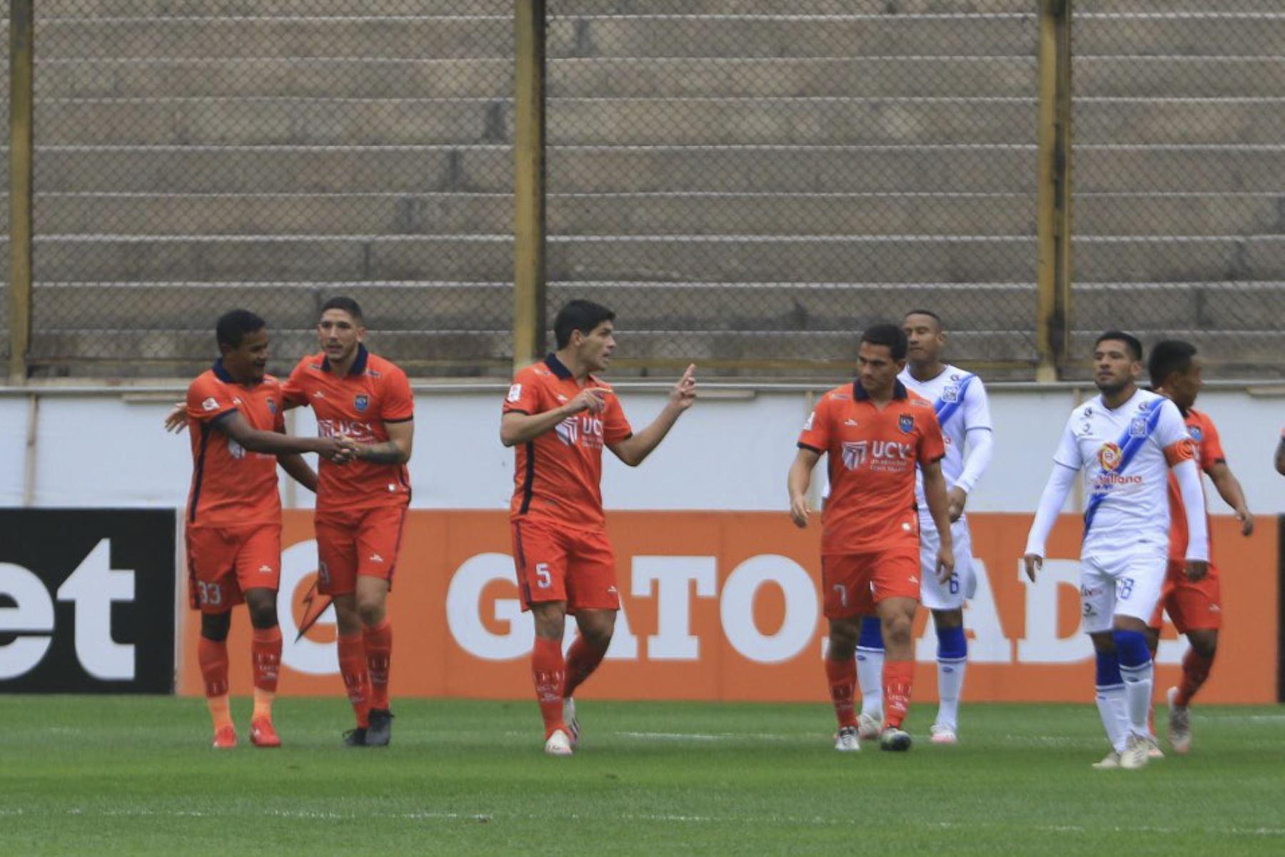 Un autogol de José Guidino le da el 1-0 a UCV sobre Alianza Sullana durante partido por la tercera fecha la Liga 1, en el Estadio Monumental. Foto: Liga 1