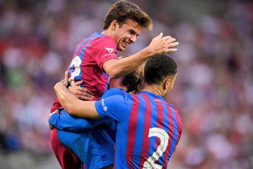 Barcelona golea 3-0 a Stuttgart en partido amistoso de pretemporada