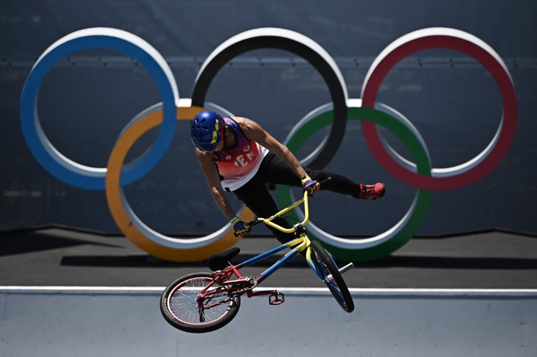 Daniel Dhers tuvo un gran desempeño en BMX Freestyle, una prueba nueva en Juegos Olímpicos