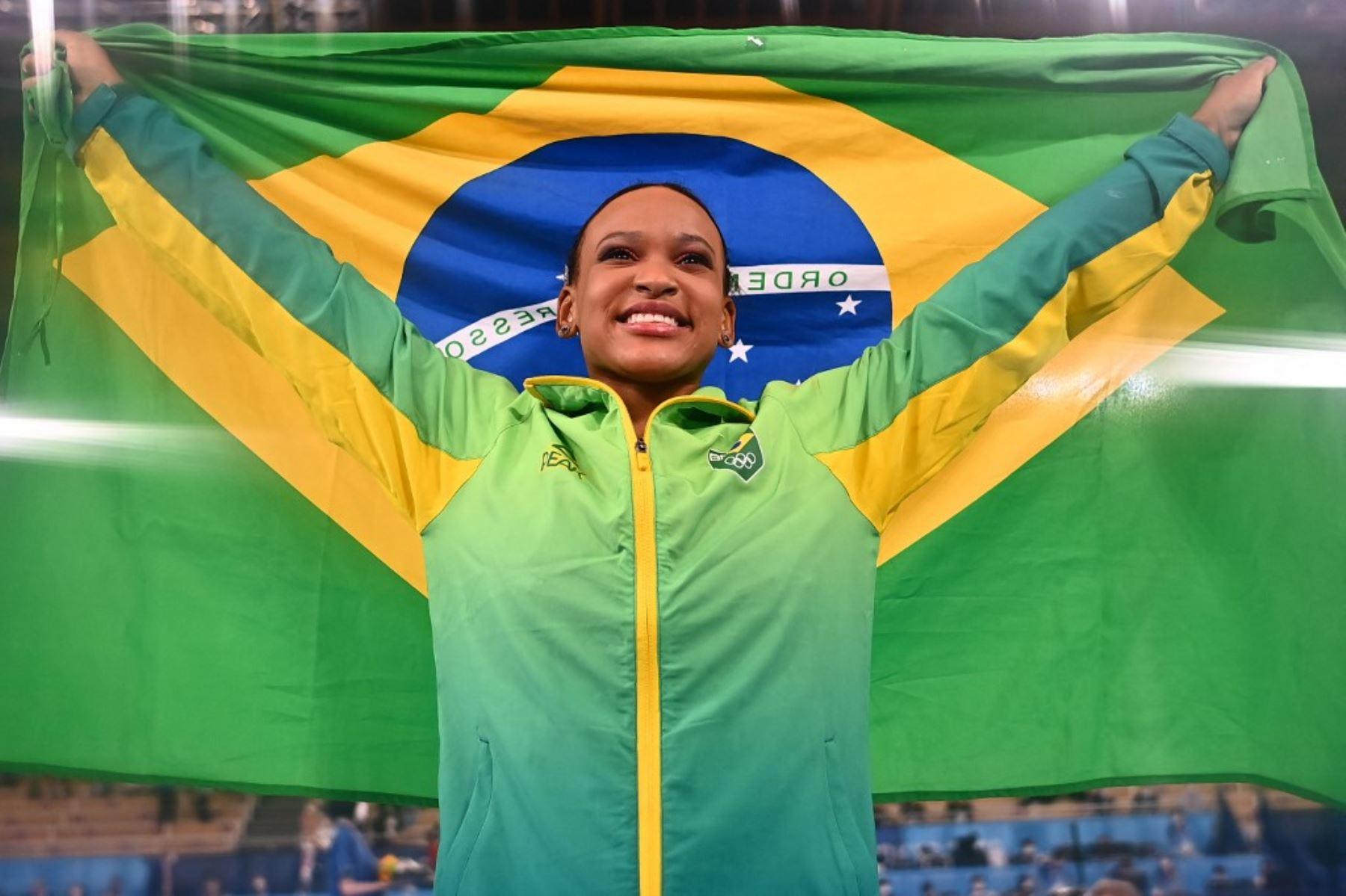 Rebeca Andrade se impuso en saltos