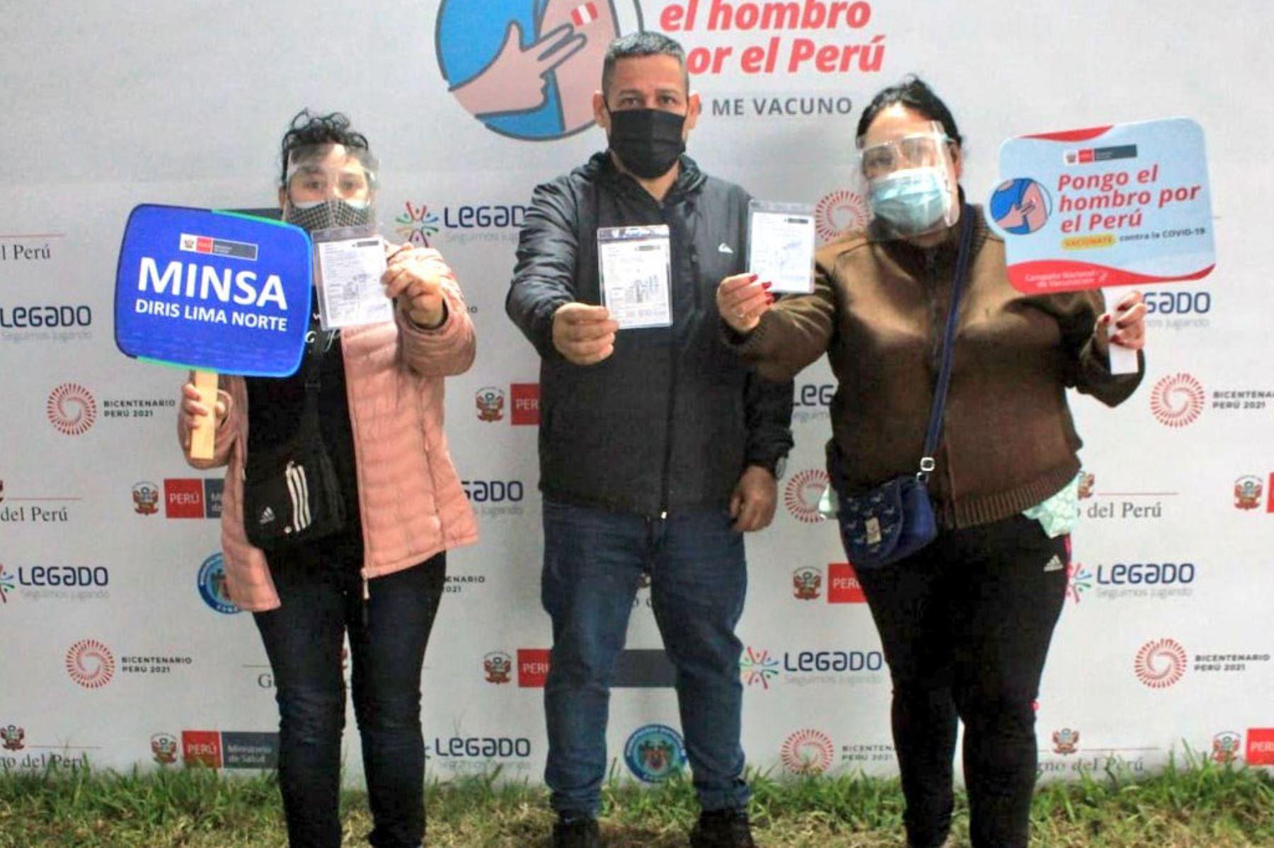 Ministerio de Salud continúa la vacunación contra la covid-19 en el Parque Zonal Sinchi Roca de Comas.  Foto: Minsa