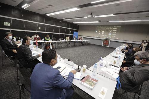 Ministro de Comercio Exterior y Turismo se reúne con 25 Directores Regionales del sector en la ciudad de Lima