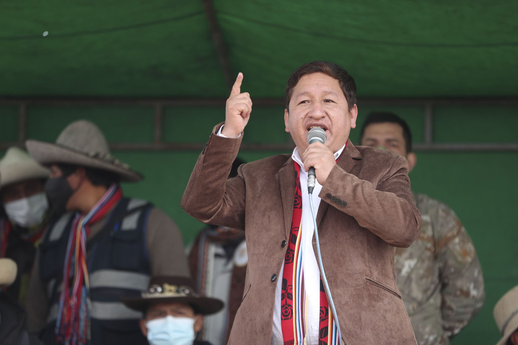 El presidente del Consejo de Ministros, Guido Bellido Ugarte, llegó al Cusco para reunirse con comunidades campesinas y tratar el conflicto socioambiental en el corredor minero del sur. Foto: PCM
