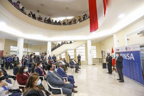 Ceremonia de presentación del ministro de Salud, Hernando Cevallos