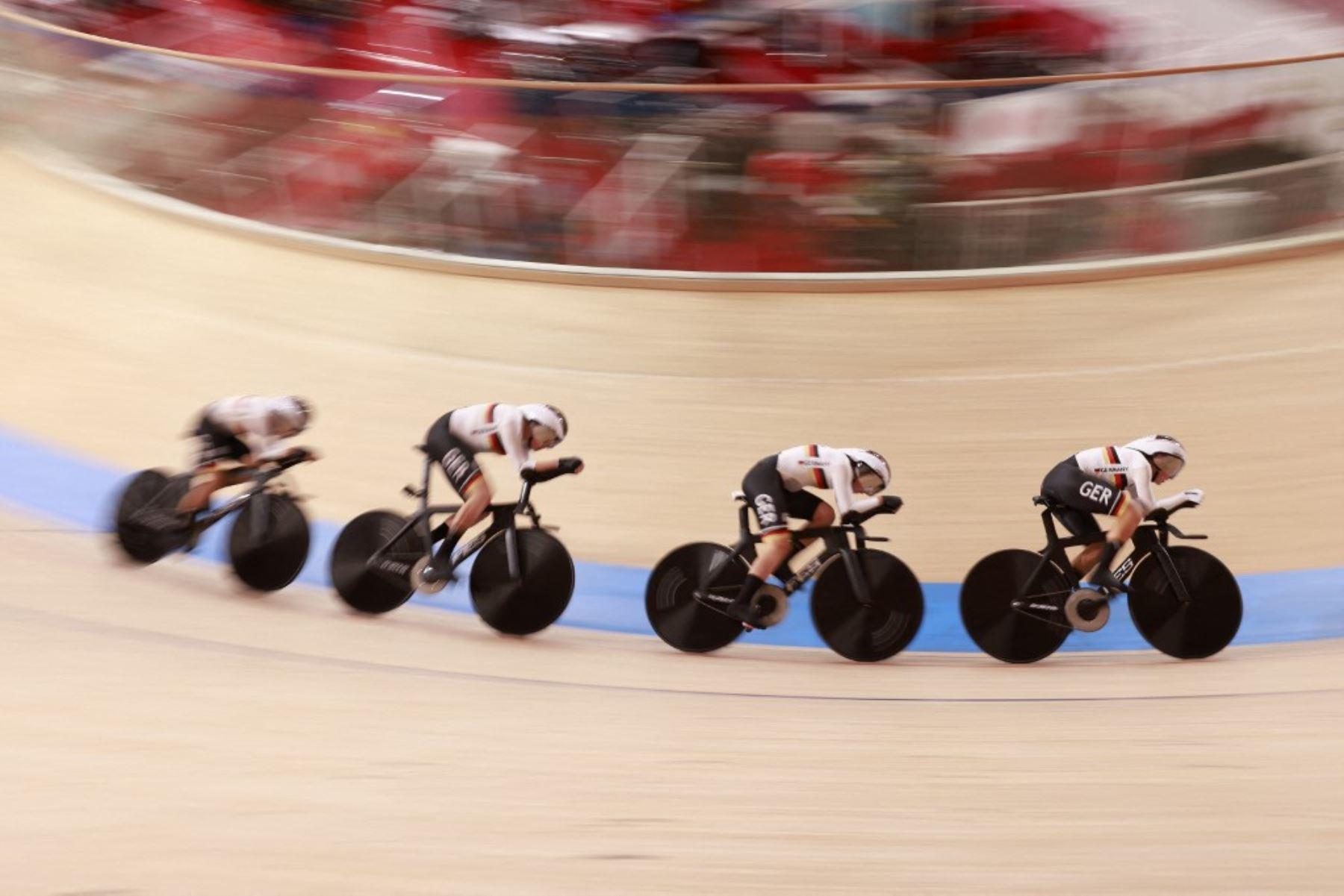 Cuarteto germano formado por Franziska Brausse, Lisa Brennauer, Lisa Klein y Mieke Kroeger se impuso a Gran Bretaña estableciendo un nuevo récord mundial con un tiempo de 4:02.202.