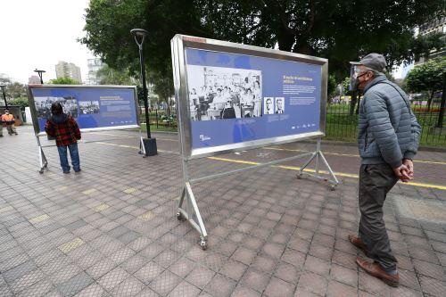 """Ministro de Cultura inaugura la exposición """"Biblioteca Nacional del Perú. 200 años de historia """", que se desarrolla en el marco de la conmemoración de su bicentenario en  Miraflores"""