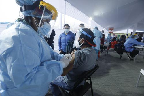 En el Perú 5 millones 497,499 personas ya se aplicaron la segunda dosis. ANDINA/ Minsa