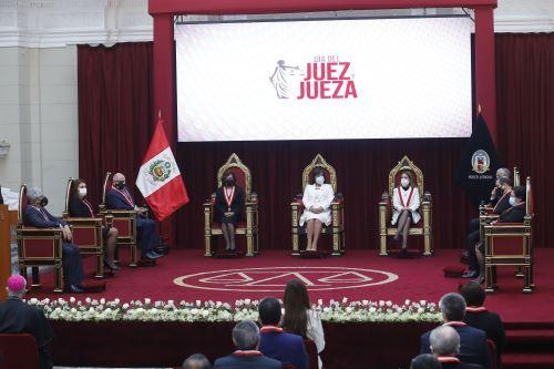 Presidenta del Poder Judicial preside ceremonia por el Día del Juez y la Jueza