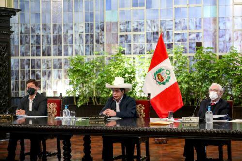 El presidente de la República, Pedro Castillo Terrones, lidera en Palacio de Gobierno la primera sesión del Consejo de Ministros de su gestión