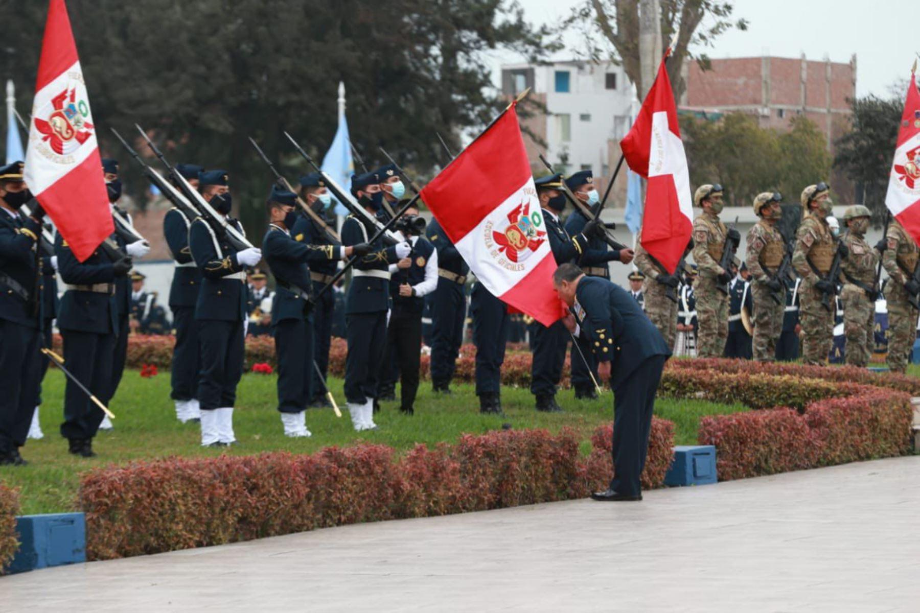 El General del Aire, Jorge Chaparro Pinto fue reconocido como nuevo Comandante General de la FAP Perú . La ceremonia de reconocimiento fue presidida por el ministro de Defensa, Walter Ayala, desde la Base Área Las Palmas. Foto: Mindef