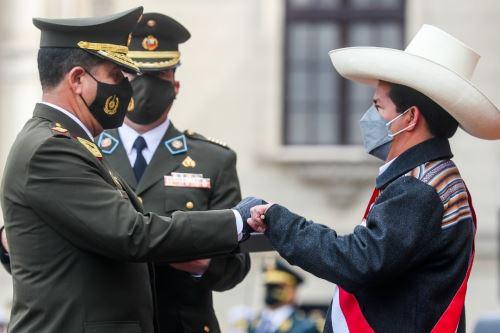 El presidente Pedro Castillo Terrones es reconocido como jefe supremo de las Fuerzas Armadas y de la Policía Nacional