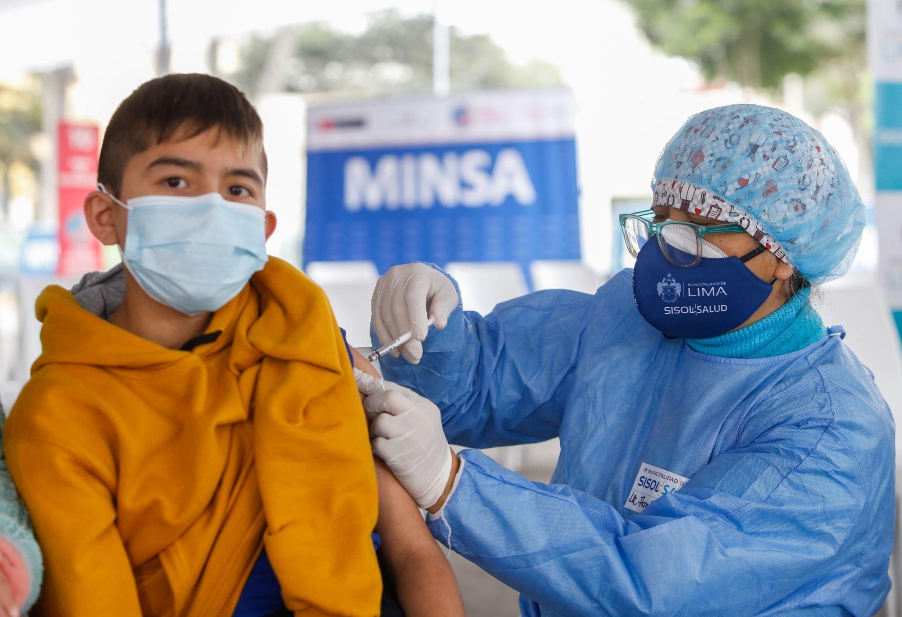 Covid-19: Minsa aprueba protocolo de vacunación a menores de 12 a 17 años