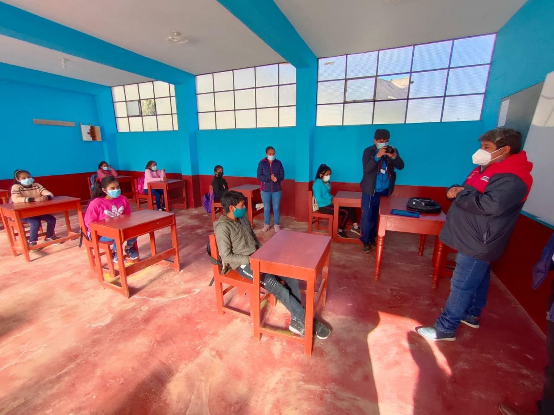 Un total de 2,690 escolares de cuatro provincias de La Libertad reanudaron hoy sus clases presenciales. ANDINA/Difusión
