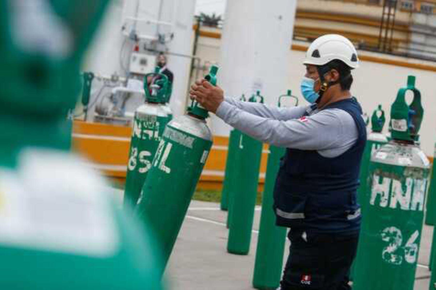 Minsa lanzó la web Renoxi Perú que permite conocer el stock y consumo de oxígeno medicinal