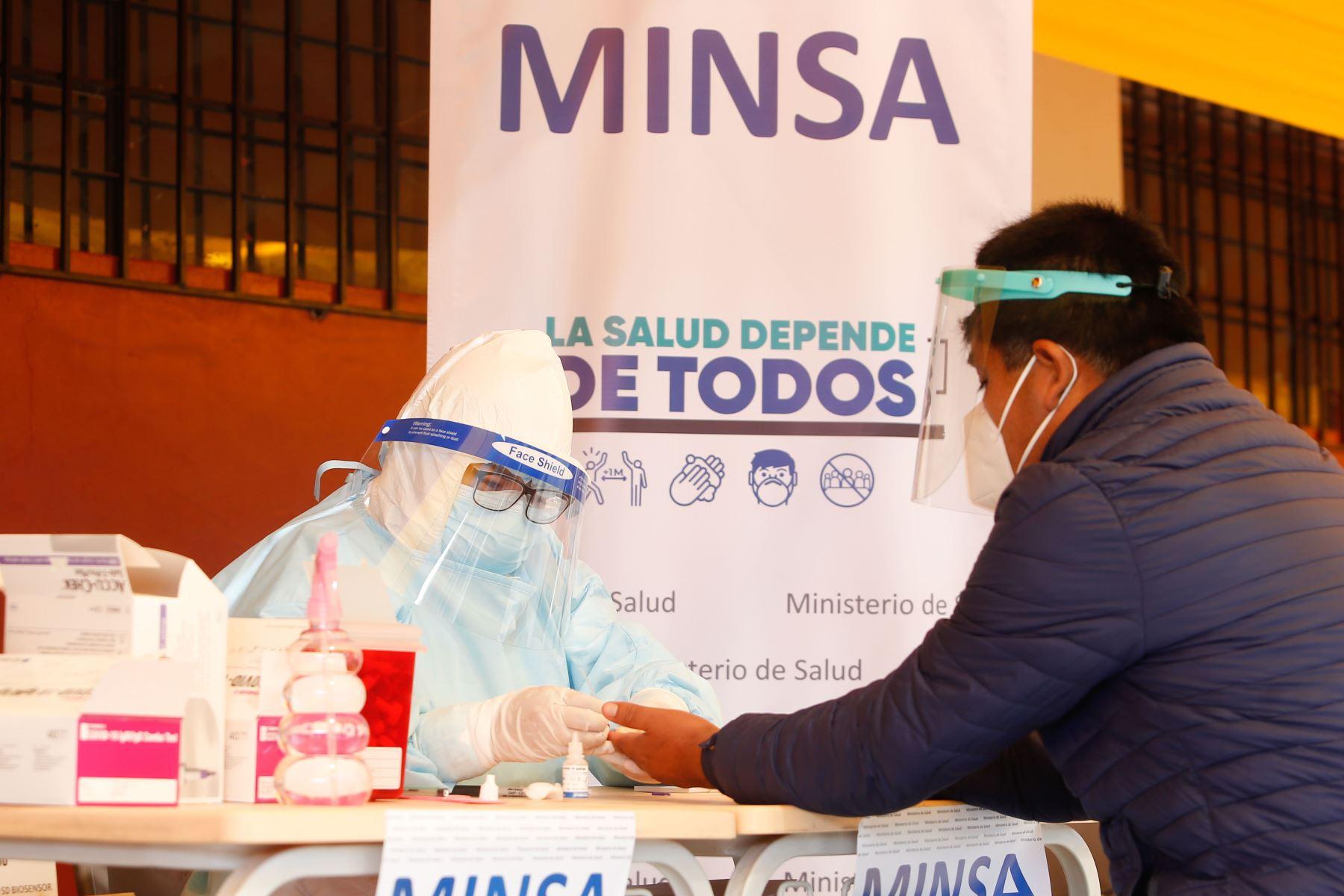 El Minsa señala que, hasta las 22:00 horas del 19 de agosto, se han procesado muestras para 16 millones 332,153 personas por el covid-19. ANDINA/ Minsa