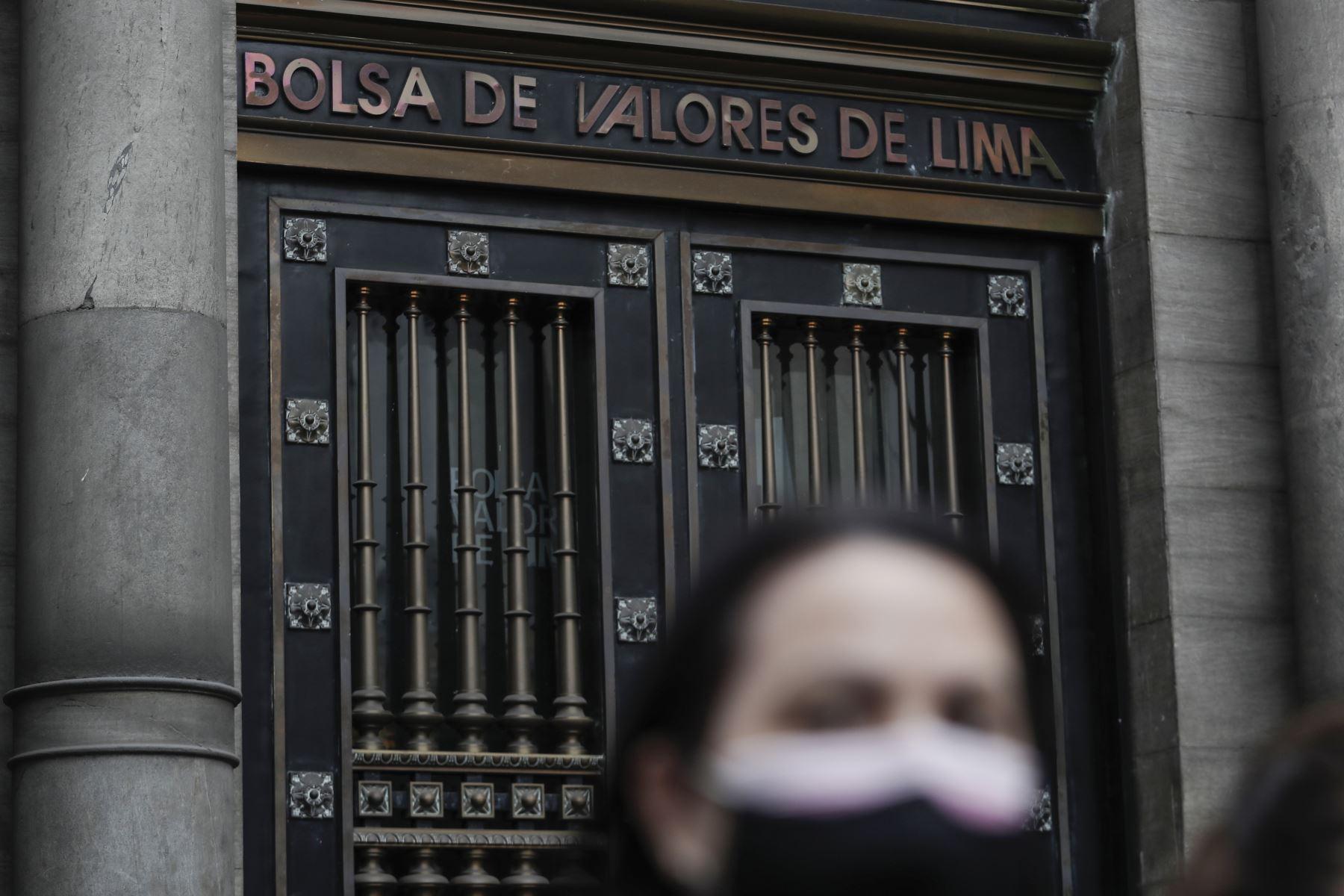 Bolsa de Valores de Lima comienza sesión con indicadores mixtos