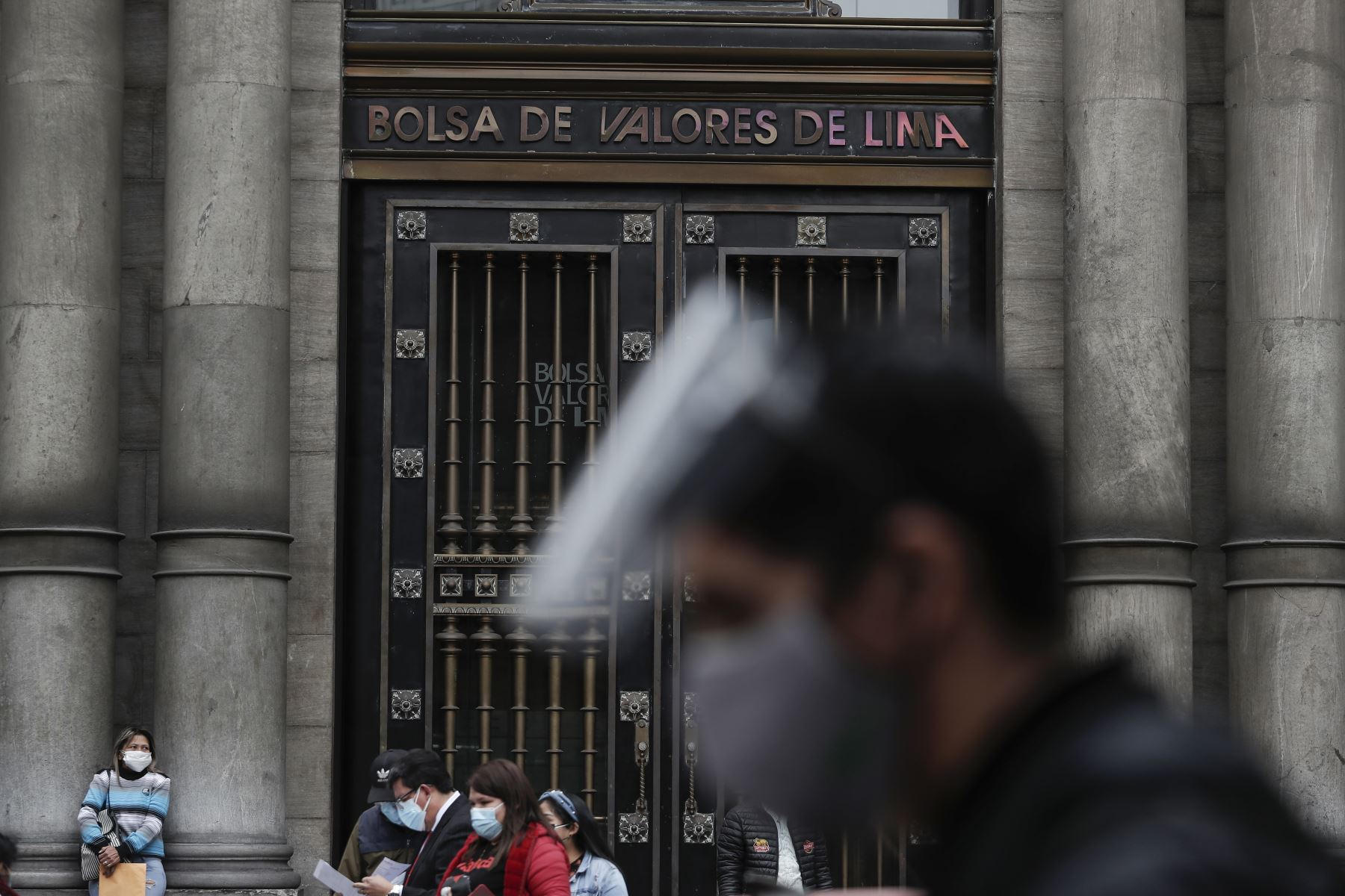 Bolsa de Valores de Lima suma cinco sesiones al alza en apertura