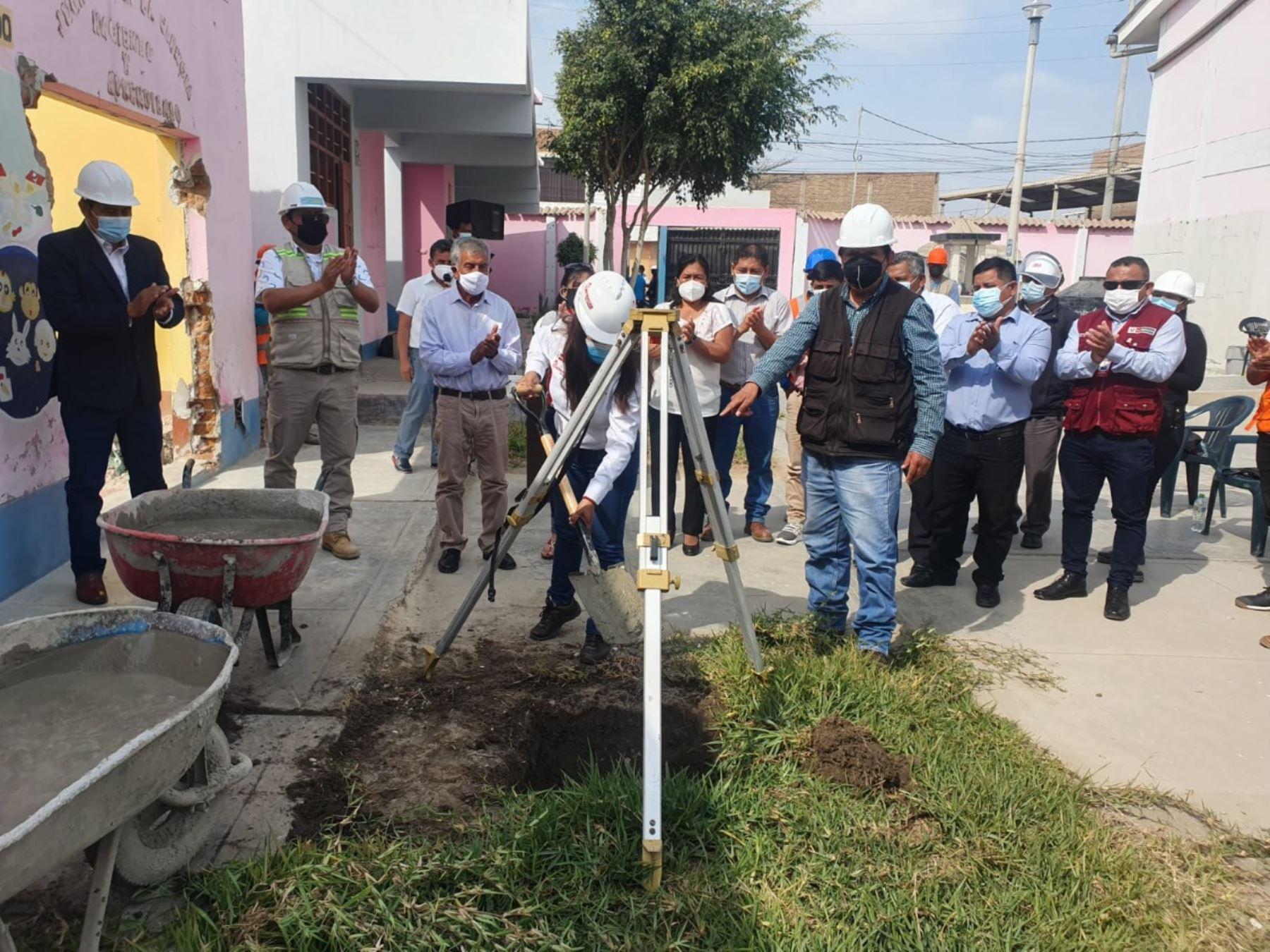 La Autoridad para la Reconstrucción con Cambios inició la reconstrucción de escuela Santa Rosa en Mochumí, Lambayeque.
