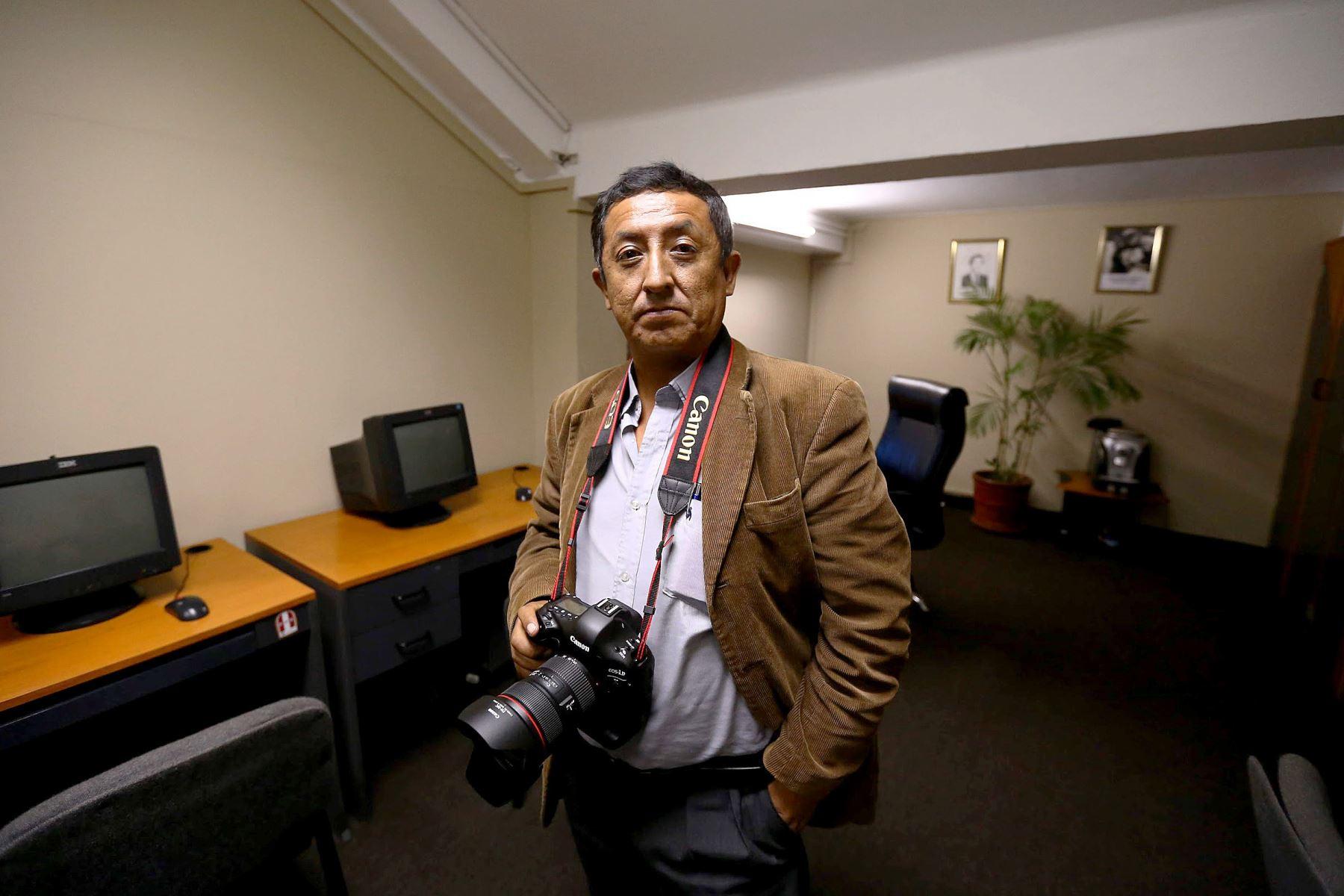 El gran amigo y maestro de la fotografía Jhony Laurente deja un legado imborrable en la historia gráfica del Perú. Foto: Luis Iparraguirre/ANDINA
