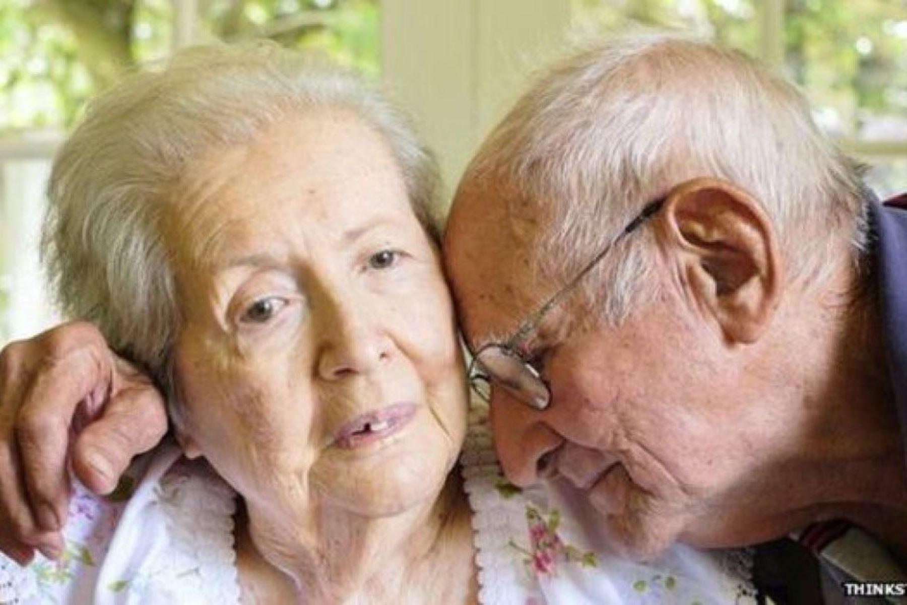 Placas amiloides serían la clave para un diagnóstico temprano del alzhéimer, enfermedad neurodegenerativa que afecta a más de 200 mil adultos mayores en el Perú. Foto: Andina/Difusión