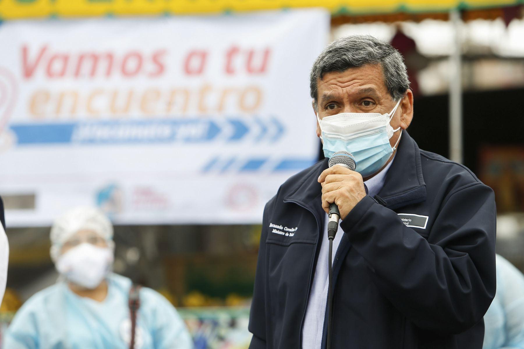 El ministro de Salud, Hernando Cevallos, exhorta a alcaldes a no organizar actividades masivas sin ser evaluadas por el Minsa. Foto: ANDINA/Minsa.
