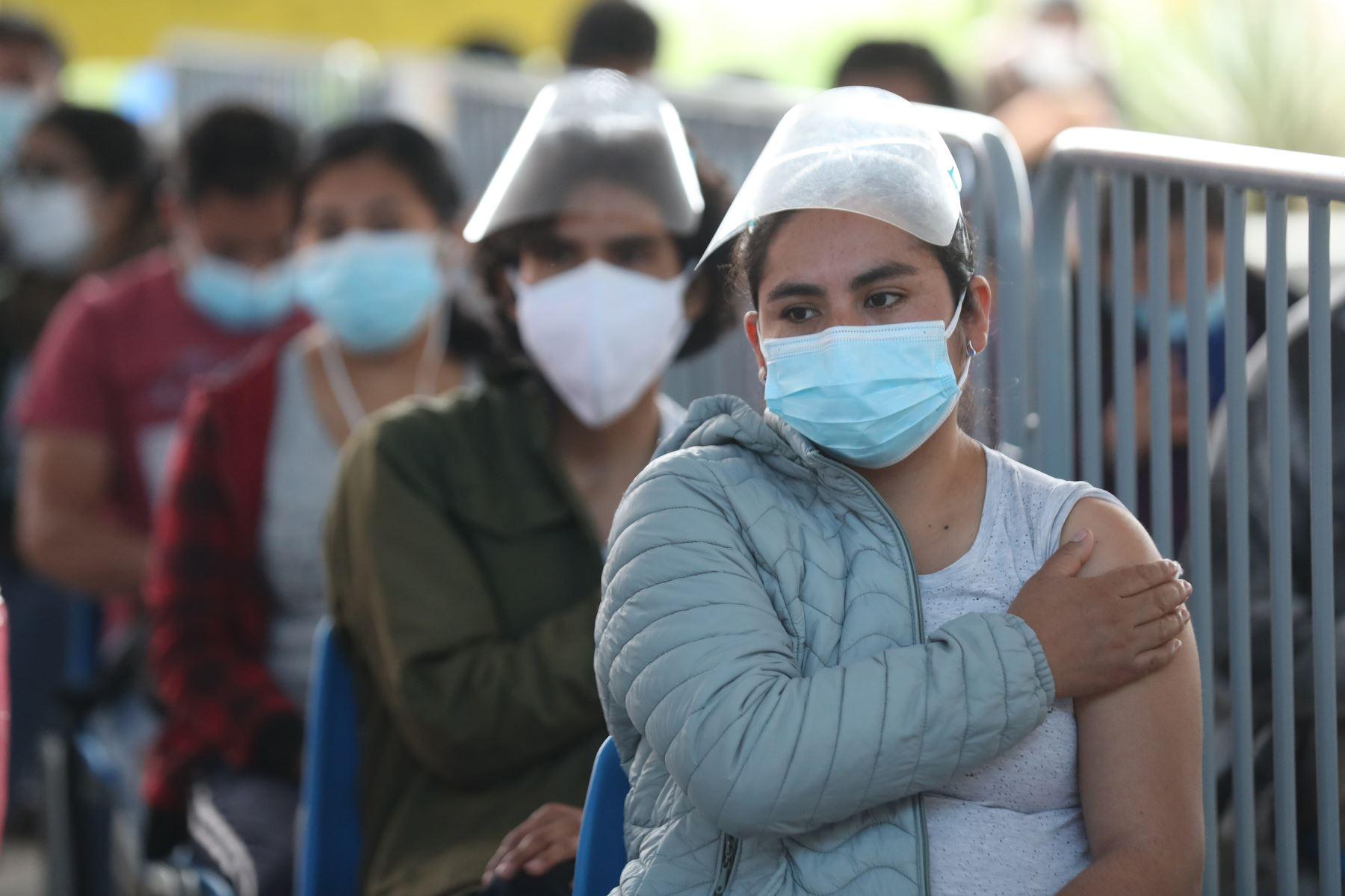 Vacunación contra el covid-19 sigue avanzando en todo el país. Foto: ANDINA/Carla Patiño Ramírez.