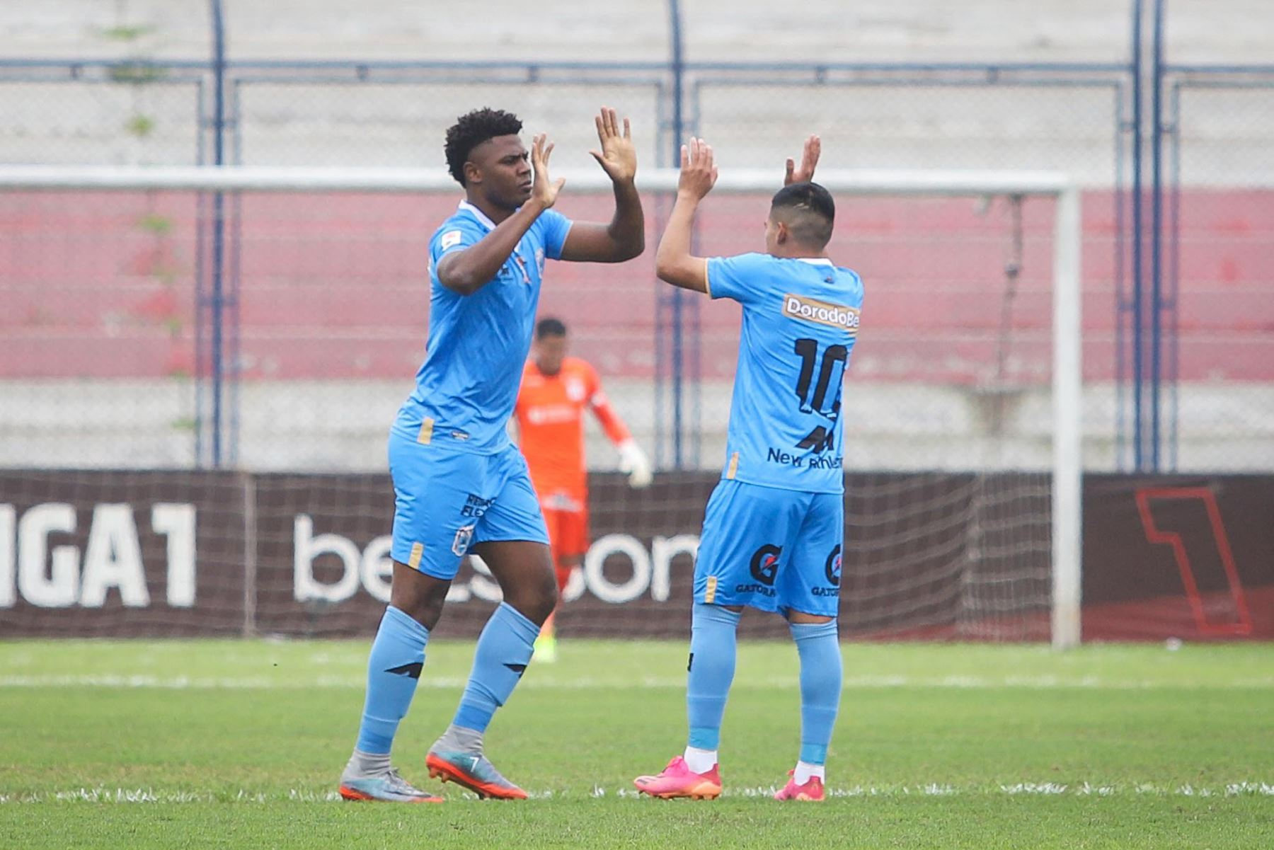 Con goles de Marlon de Jesus y Andy Polar, Binacional gana 2-0 a Alianza Lima durante partido por la décima jornada de la Liga 1, en el estadio Iván Elías Moreno. Foto: Liga 1